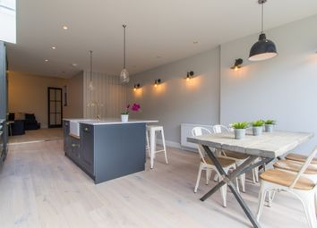 6 bed shared accommodation to rent in Adelaide Road, London W13