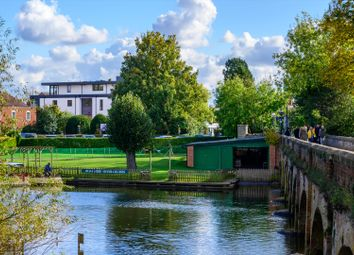 Avon Heights, Swans Nest Lane, Stratford-Upon-Avon CV37. 3 bed flat for sale