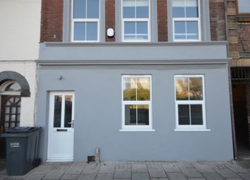 Thumbnail 3 bed terraced house to rent in Guildford Street, Luton