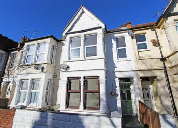 Thumbnail 2 bed flat to rent in Rayleigh Avenue, Westcliff On Sea, Essex