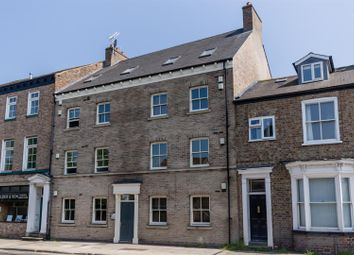 2 bed flat to rent in Clarence Street, York YO31