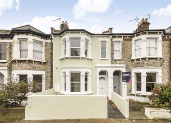Thumbnail 2 bed flat to rent in Oakhill Road, London