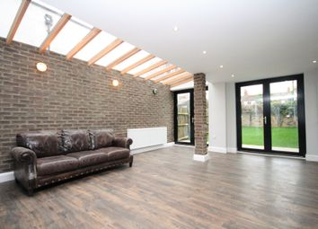 Thumbnail 7 bed terraced house to rent in Stapleton Hall Road, Finsbury Park