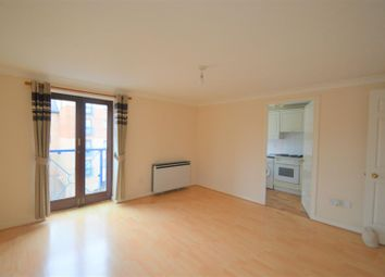 Thumbnail 1 bed flat to rent in West Street, Gravesend