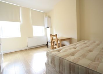 Thumbnail 2 bed flat to rent in Strathleven Rd, Brixton