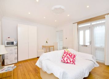 Thumbnail 1 bed flat to rent in Portland Road, Holland Park
