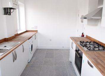 Thumbnail 2 bed flat to rent in Richmond Avenue, Southend-On-Sea