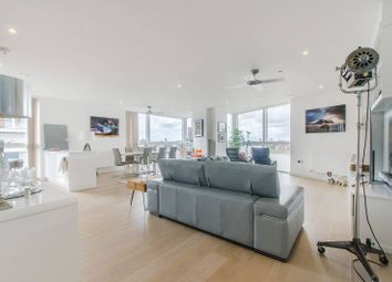 2 bed flat to rent in River Gardens Walk, Greenwich, London SE10