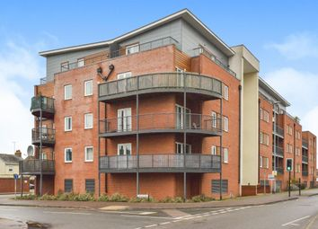 Thumbnail 2 bed property to rent in Princes Way, Bletchley, Milton Keynes