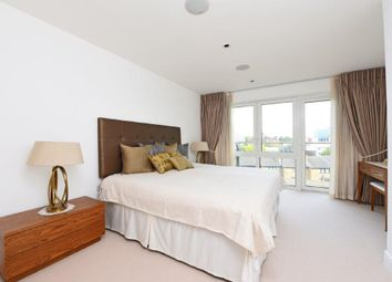 3 bed flat for sale in Kew Bridge Road, Brentford TW8