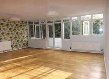 Thumbnail 3 bed flat to rent in Highland Road, Bromley