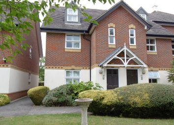 Thumbnail 3 bed flat to rent in Farriers Mews, Abingdon