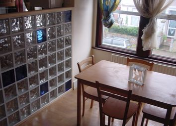 Thumbnail 2 bed flat to rent in Chapter Road, London 5Lj