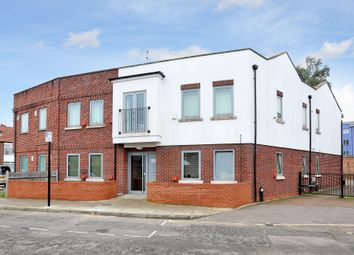 Thumbnail 2 bed flat for sale in York Avenue, Hanwell
