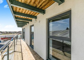 2 bed flat for sale in Brighton Road, Shoreham-By-Sea BN43