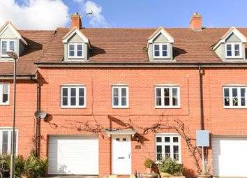 Thumbnail 4 bed town house to rent in Buckingham Park, Aylesbury
