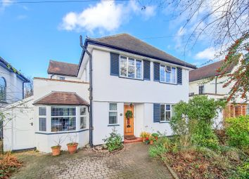 Woodbourne Drive, Claygate, Esher KT10. 3 bed detached house for sale
