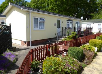 Thumbnail 2 bedroom mobile/park home for sale in Oaklands Park, Hook Common Road, Hook, Hampshire