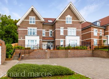 St. Monicas Road, Kingswood, Tadworth KT20. 2 bed flat
