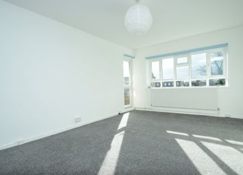 Thumbnail 3 bed flat to rent in Grosvenor Road, Finchley Central
