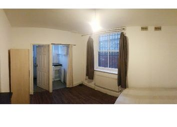 Thumbnail Studio to rent in North End Road, Fulham/West Kensington, London