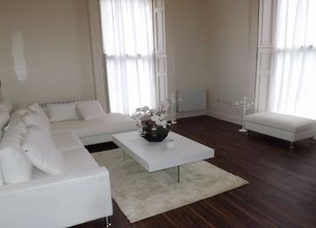 Thumbnail 2 bed flat to rent in Manor Road, Loughton