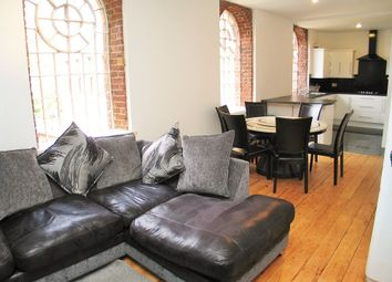 3 bed flat to rent in Osterley Gardens, Norwood Green, Nr. Hanwell, Ealing UB2