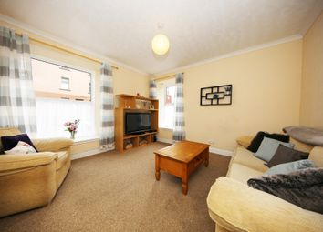 2 bed flat to rent in Arbroath Road, Dundee DD4