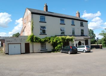 Thumbnail Pub/bar for sale in Banbury Road, Warwickshire