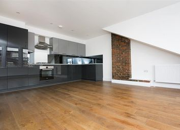 Thumbnail 3 bed maisonette to rent in Evering Road, London