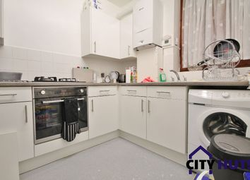 Thumbnail 1 bed flat to rent in Warwick Grove, London