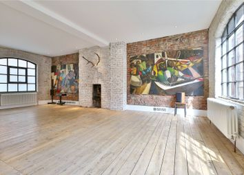 Thumbnail 2 bedroom terraced house to rent in Middle Street, Smithfield, London