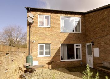 Thumbnail 2 bedroom maisonette to rent in Sadlers Court, North Abingdon