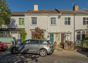 St.Aidans Road, London SE22. 2 bed flat for sale
