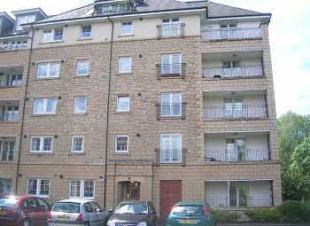 Thumbnail 3 bedroom flat to rent in Powderhall Brae, Edinburgh Available 10th July