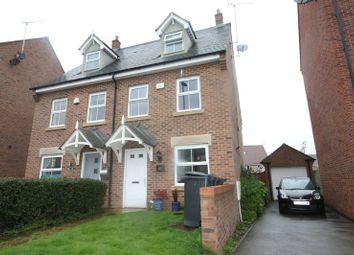 Thumbnail 3 bed town house to rent in Kestrel Way, Leighton Buzzard
