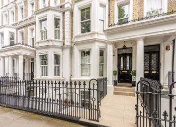 2 bed flat to rent in Philbeach Gardens, Earls Court, London SW5