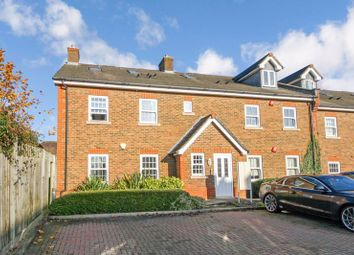 2 bed flat to rent in Eastgate Mews, Brighton Road, Horsham RH13