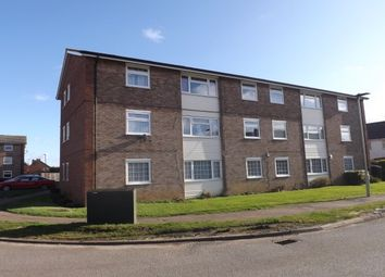 Thumbnail 3 bed flat to rent in Ramsey Close, Bedford