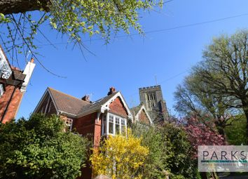 4 bed maisonette to rent in Surrenden Road, Brighton BN1