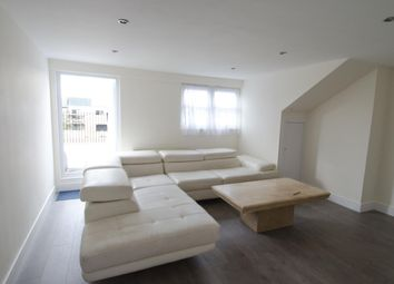 2 bed flat to let in Adolphus Road