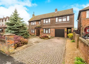 Thumbnail 5 bed detached house for sale in Grenville Avenue, Wendover, Aylesbury