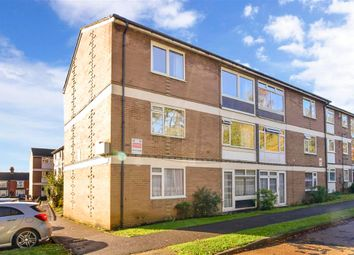2 bed flat for sale in Tonbridge Road, Maidstone, Kent ME16