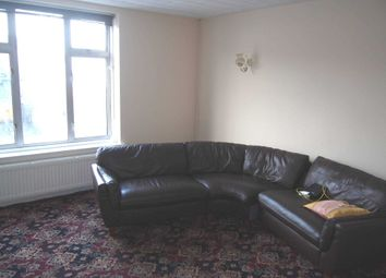 Thumbnail 3 bed flat to rent in Desborough Avenue, High Wycombe