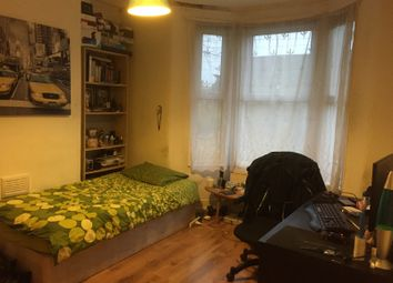 Thumbnail 3 bedroom flat to rent in Carson Road, London