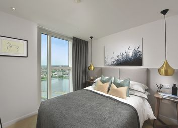 Thumbnail 3 bedroom flat for sale in Woodberry Grove, London