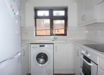 Thumbnail 2 bed maisonette to rent in Bevans Close, Greenhithe