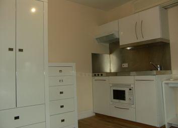 Thumbnail Studio to rent in Flat 7, 24 Newmarket Road, Cambridge