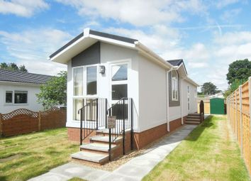 Thumbnail 2 bed mobile/park home for sale in Blenheim Close, Orchards Residential Park, Slough