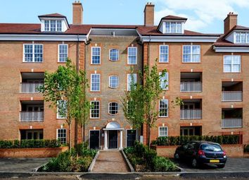 Thumbnail 2 bed flat to rent in Ashridge Close, London N3,